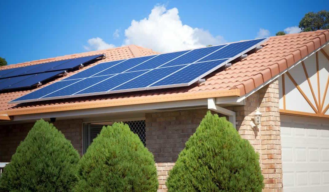 5 Motivos para investir em energia solar na sua casa